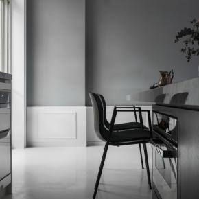 純粹白與優雅灰譜出一室的美好