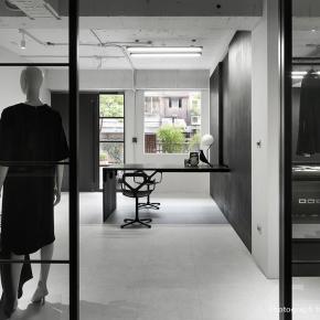 少的更少、多的更多,Dleet极致简约的黑白设计