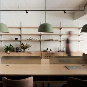 工业风装修效果图:以家为概念的新创办公室